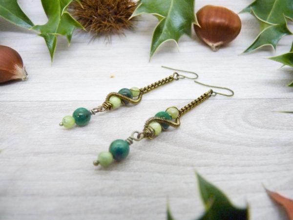 Boucles d'oreilles Wire wrapping - Bijou de Créateur unique en Wire Wrapping, inspiration celtique et païenne - Boucles « Curiosité du Korrigan » en chrysocolle et péridot