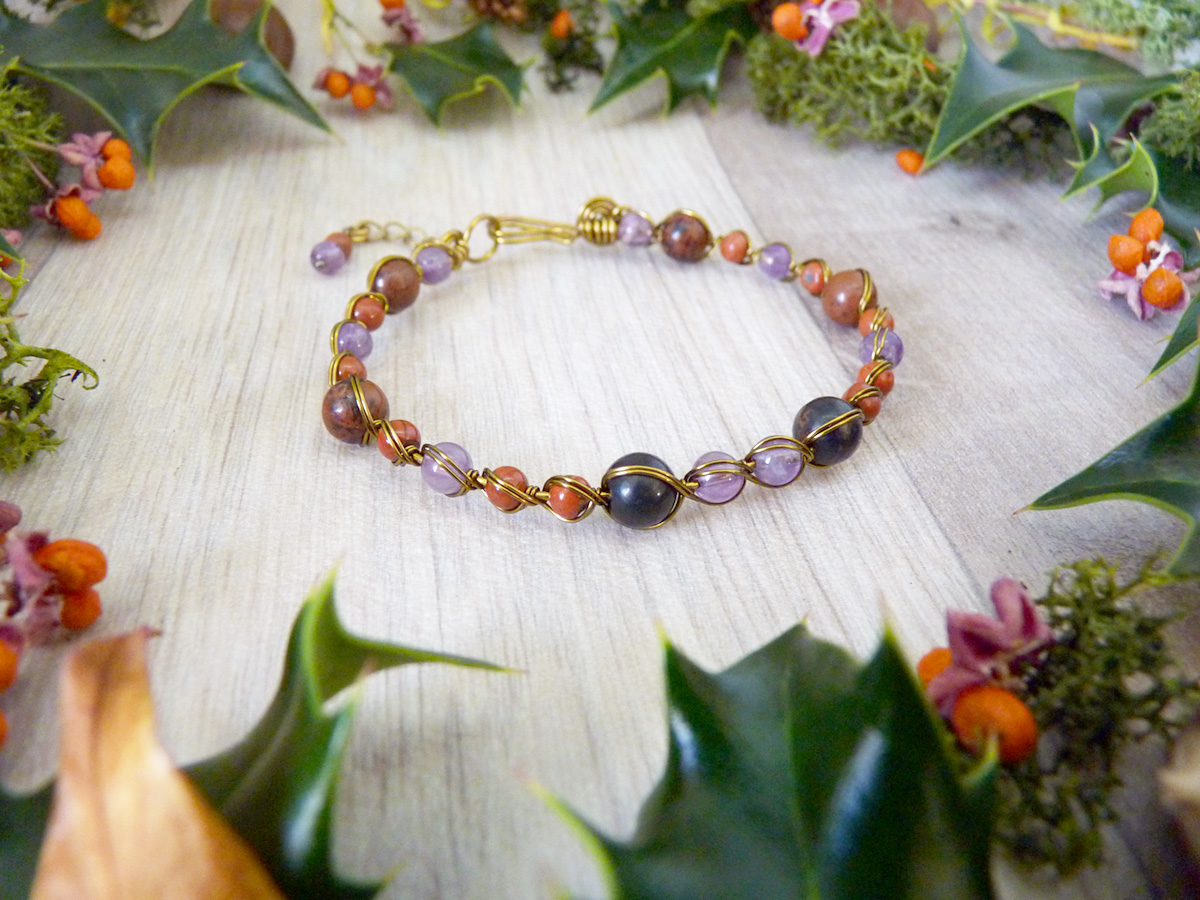 Bracelet « Mythe de l'Impératrice » - inspiration celtique et païenne - Bijou de Créateur en Wire Wrapping, perles améthyste et obsidienne