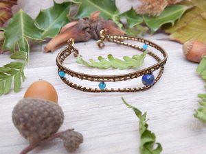 Bracelet « Yeux de Mahakala » - inspiration celtique et païenne - Bijou de Créateur en Wire Wrapping, perles apatite et lapis