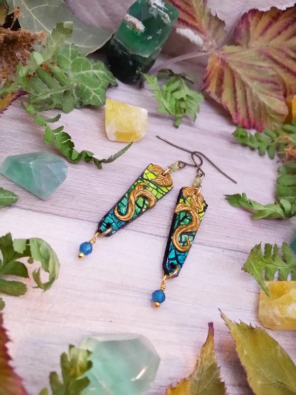 Boucles d'oreilles « couleurs de la nature – la forêt sur l'eau » - inspiration nature - Bijou de Créateur, perles apatite et péridot