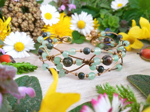 Bracelet unique « Poignets d'Artemis » - inspiration celtique et païenne - Bijou de Créateur en Wire Wrapping, perles aventurine et jaspe