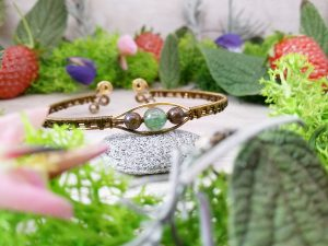 "Bracelet ""Secret des Embruns"" - inspiration celtique - Bijou de Créateur en Wire Wrapping, perles quartz et bronzite"